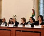 Mujeres del gabinete respaldan a AMLO en reunión