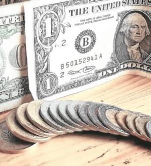 ´Sacude´ dólar al peso tras informe