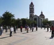 Protestan 'microbuseros' por medidas impuestas para hacer frente al Covid-19