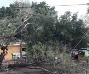 Cuantifican daños provocados por la tromba; recorren poblados