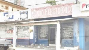 Saquean negocio de electrónica