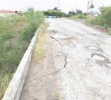 A punto de caer puente de acceso a Arboledas