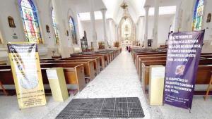 Mantienen abierta iglesia