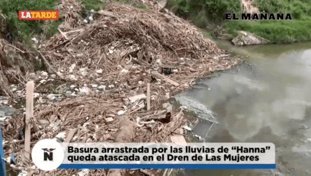 Basura arrastrada por lluvias de Hanna, ha quedado estancada en el dren de Las Mujeres