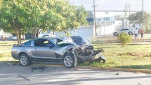 Deja accidente dos lesionados
