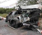 Se impacta automovilista contra camión del Ejército