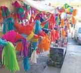 Preparan las piñatas