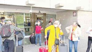 Piden evitar viajes entre México y EU