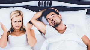 ¿Por qué roncamos y otras curiosidades al dormir?
