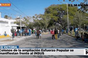 Colonos de la ampliación Esfuerzo Popular se manifiestan frente al INSUS