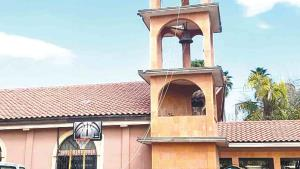 Reducen iglesias número de misas