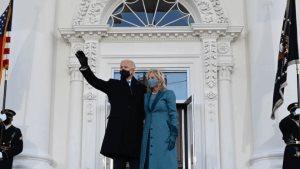 Llega Biden a la Casa Blanca con su familia