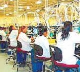 Propone diputado vacunar a trabajadoras de maquiladora