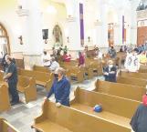 Amplían iglesias número de misas