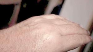 No 'tronarse' los dedos
