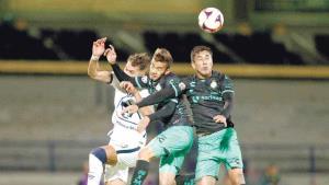 Pumas gana al Santos y corta mala racha en CU