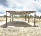 Construyen mercado los tianguistas locales