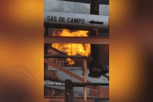 Estalla refinería en Minatitlán, Pemex confirma 6 heridos