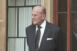 El príncipe Felipe yace en el castillo de Windsor hasta su funeral