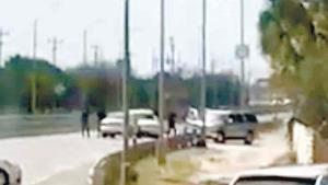 Filtran video de despojo de auto