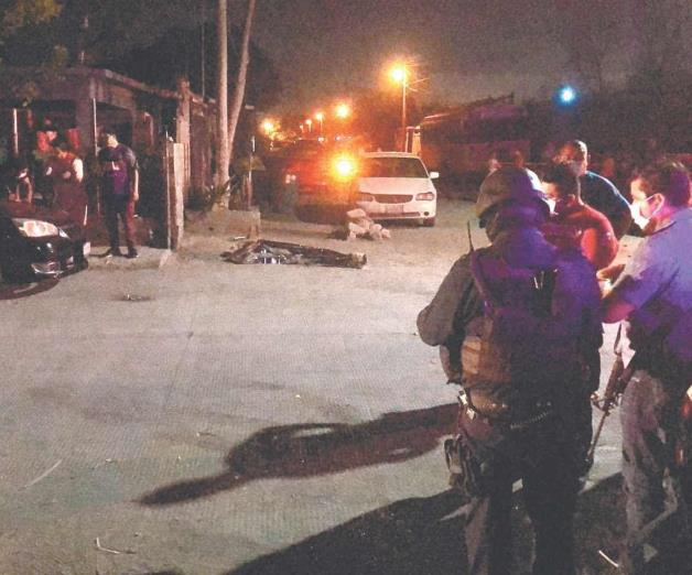 Mueren dos jóvenes rafagueados