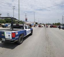 Bloquean carretera en protesta por falta de luz y agua potable