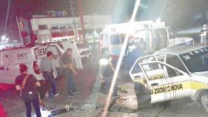 Muere pasajero de taxi