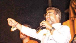 renuncia R. Bours a MC para irse al PRI