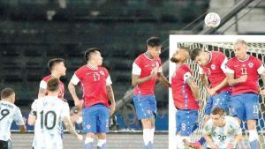 ¡Argentina tiene inicio  titubeante  ante Chile!