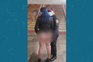 Destituyen a policía por hacer tocamiento de glúteos a mujer en el Metro