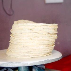 De 2018 a 2021 tortilla ha subido 27% 16 a 22 pesos