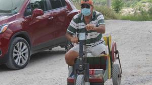 Padece discapacidad clama por ayuda
