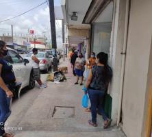 Migran becarios de mesa de atención a tarjeta