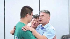 Joven secuestrado abrazó a su familia luego de 24 años