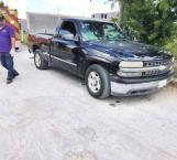 Fallece abuelito en su camioneta