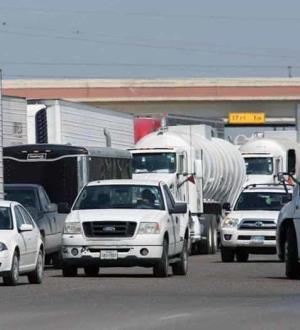 Muro antinarco en las Aduanas; decomisa Sedena 552 carrotanques en 2 meses