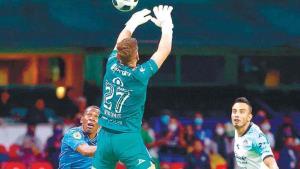Mazatlán derrota a Cruz Azul y le abolla la corona