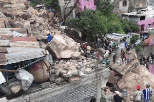 Se reportan 10 desaparecidos y un muerto, tras desgajarse el Cerro del Chiquihuite