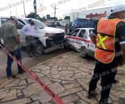 Tres mujeres lesionadas en fuerte choque de carro de ruta