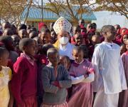 Regresa Obispo de Tampico de misión en Kenia y Tanzania