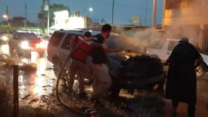 Se incendia camioneta en Díaz Ordaz