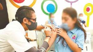 Vacunan contra Covid a 10 mil adolescentes